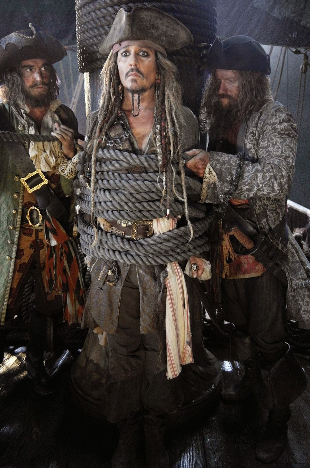Johnny-Depp-Pirates-5-Movie-Poster